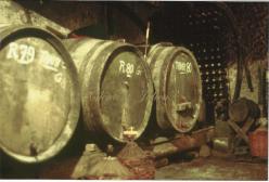 Sauveterre les barriques de vin